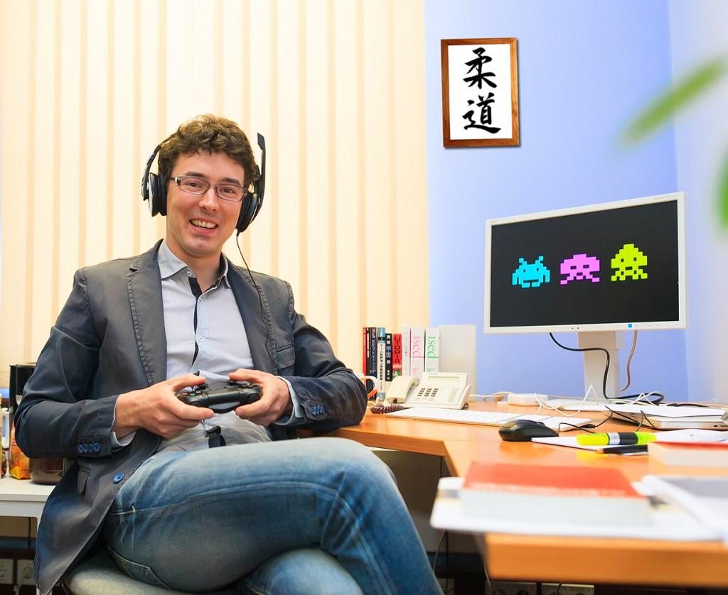 Martin Roth untersucht unter anderem Videospiele als Ausdrucksraum für neue Ideen, digitale Regionen und Gemeinschaften. Foto: Swen Reichhold/Universität Leipzig