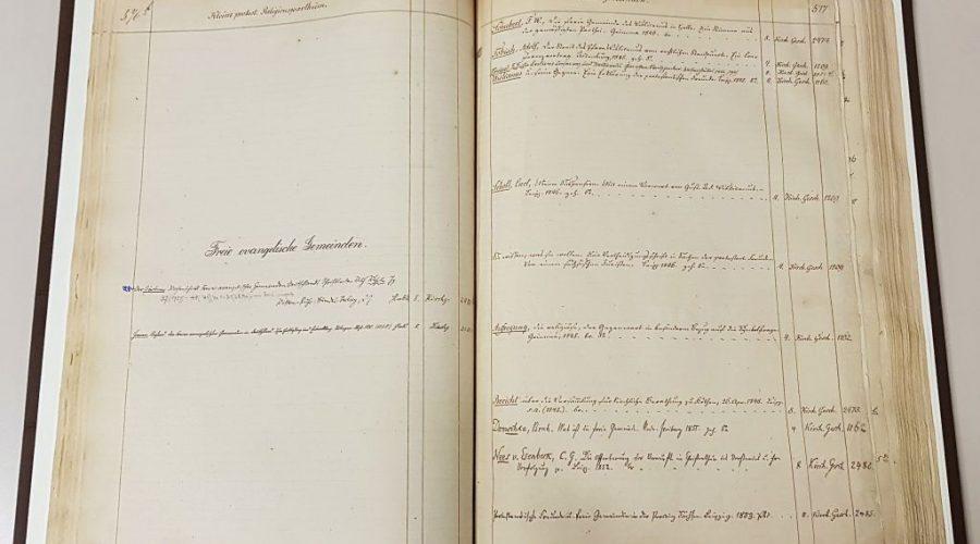 Handschriftliche Eintragungen zur Sachgruppe Freie Evangelische Gemeinde in Spalten